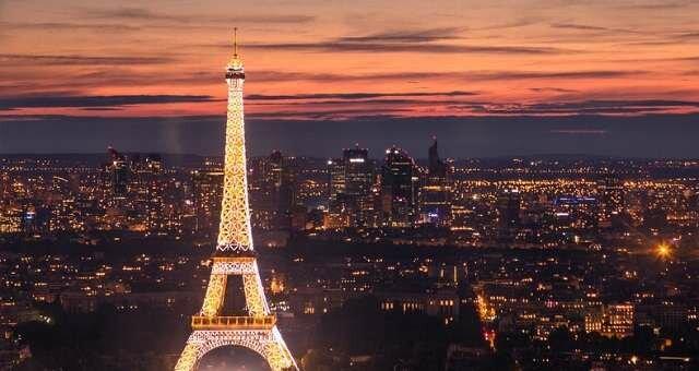 Новогодняя ночь в Париже 2018/2019: с 31 Декабря на 1 января