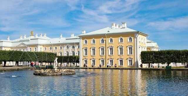 Лучшие экскурсии в Москве и Петербурге с личным гидом