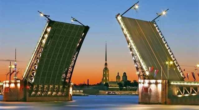 Разводной мост в Петербурге