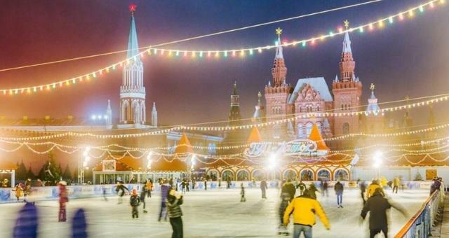 Недорогие новогодние туры в Москву 2018-2019 из Петербурга