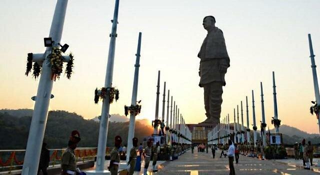 Самая высокая статуя в мире открыта в Индии