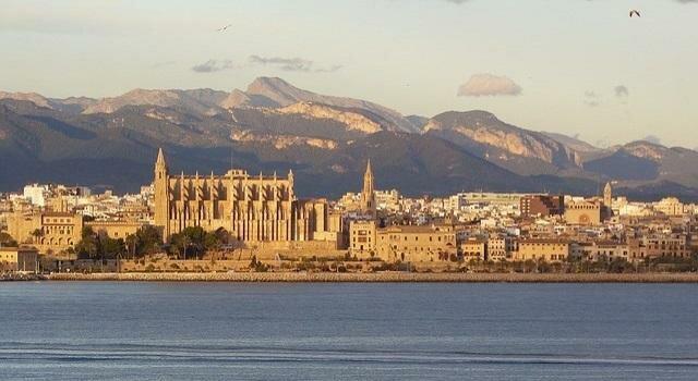 Зимний отдых в Испании 2019: горнолыжные и пляжные туры